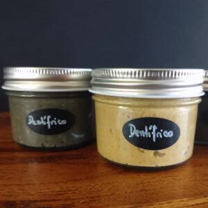 Pasta dental sin flúor, sin azúcar, sin conservantes, espesantes o estabilizantes. La Casa del Viento